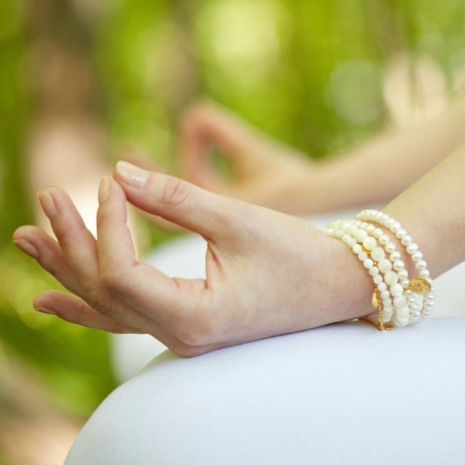 Social_Model_closeup_Bracelets_white